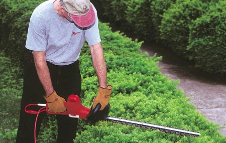Quiet Quality Little Wonder Electric Hedge Trimmers Little Wonder Electric Hedge Trimmers run smooth for quiet operation, yet these lightweight, heavy-duty trimmers pack the power to easily cut stubborn growth from shrubs and hedges up to one-half-inch thick. Little Wonder Electric Hedge Trimmers feature dual reciprocating high-carbon steel blades maintain a sharp edge six to […]